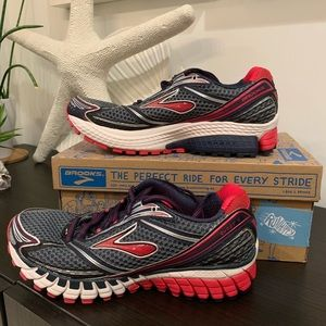 Brooks Shoes - ⚡️RARE⚡️NIB Brooks GHOST 6 running shoes